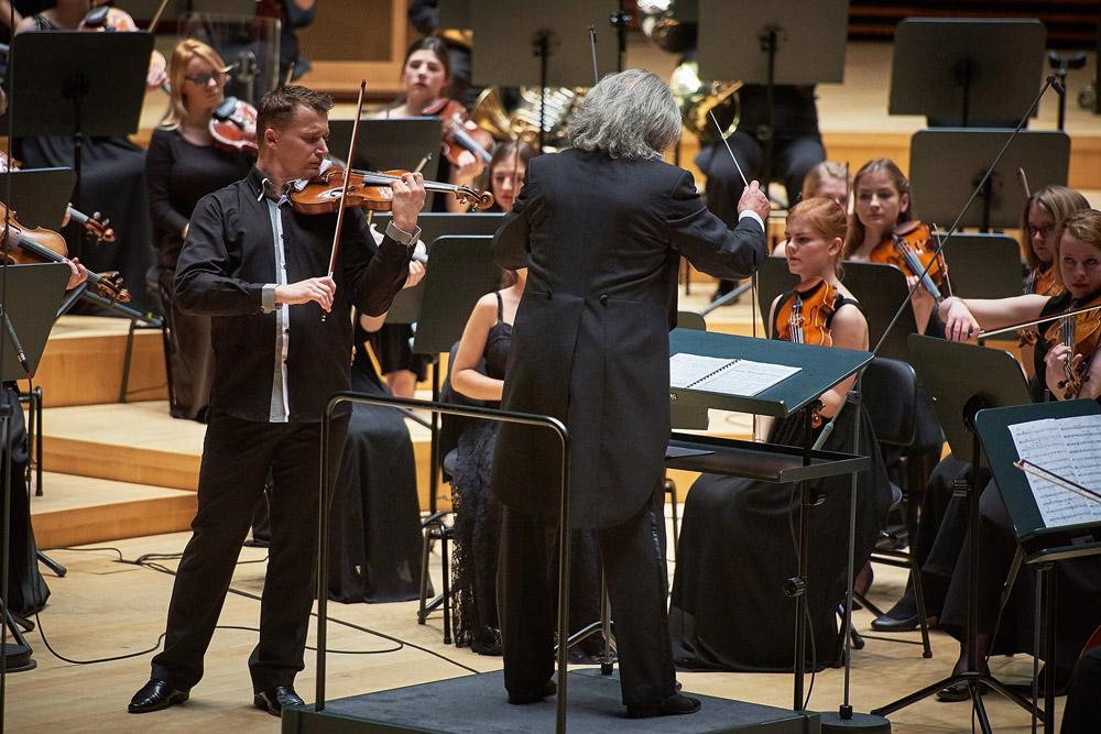 Jacek Ropski - skrzypce, Marek Pijarowski - dyrygent, Europejska Studencka Orkiestra Symfoniczna, Sala Główna NOSPR, Katowice 2016
